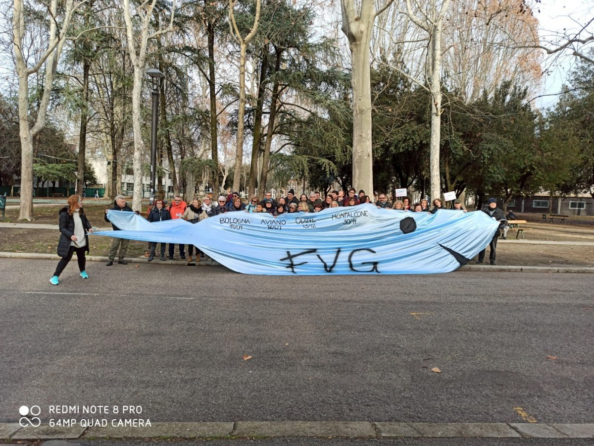 Manifestazione sardine a Bologna, presenti anche sardine triestine e del FVG