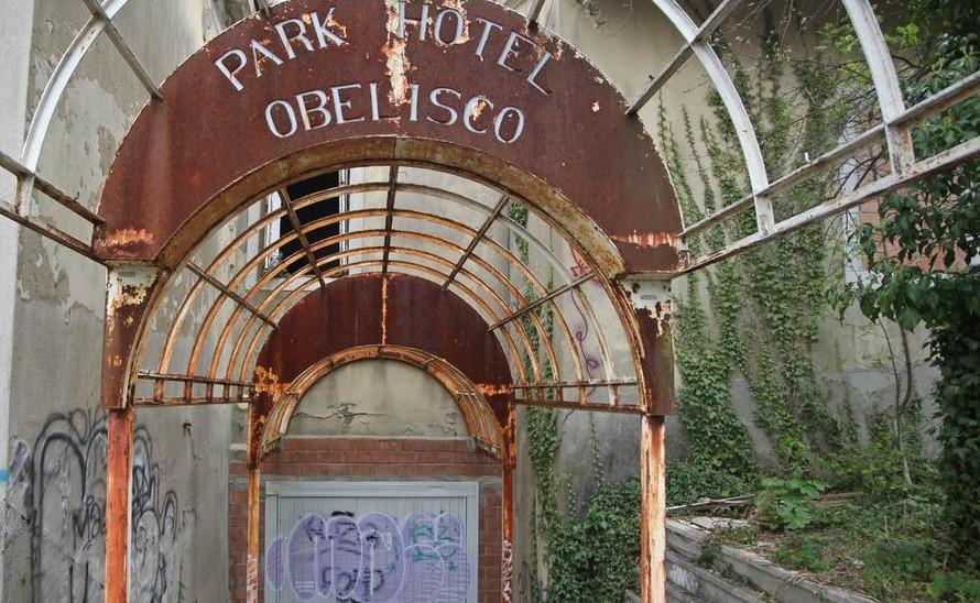 Hotel Obelisco, una storia finita bene e durata dieci anni