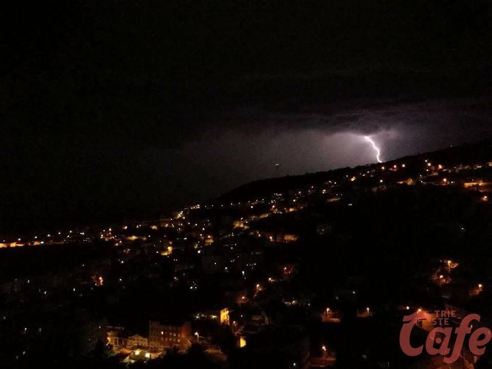 Torna il maltempo a Trieste: dal pomeriggio temporali, vento e grandine