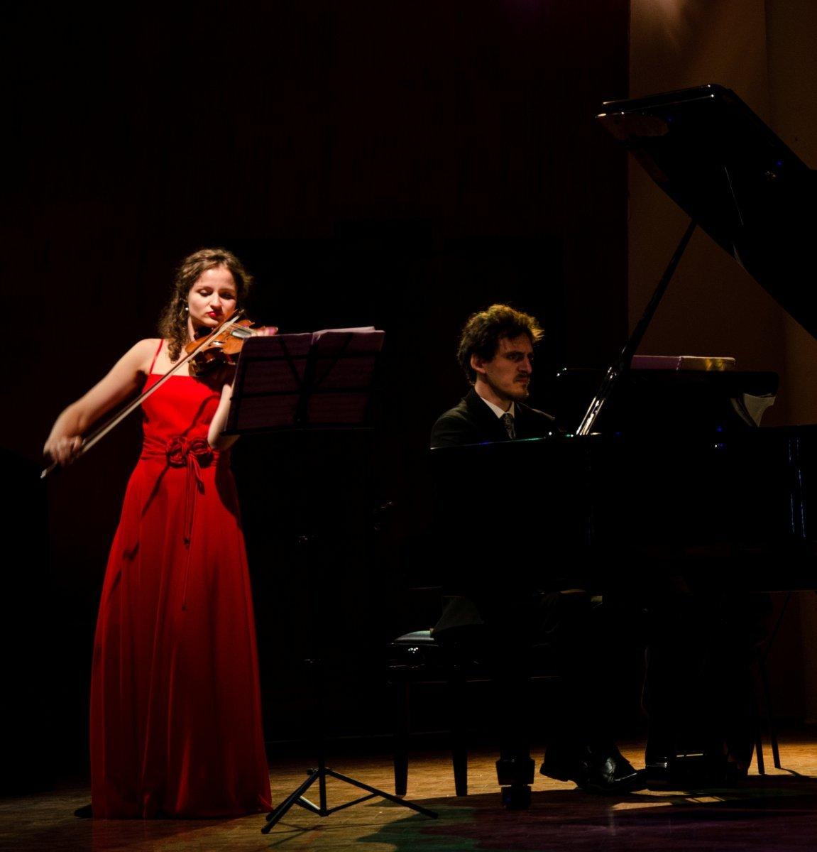 Teatro di Monfalcone, il duo Bortolotto-Andri lunedì chiude l'integrale delle Sonate per violino e pianoforte di Beethoven