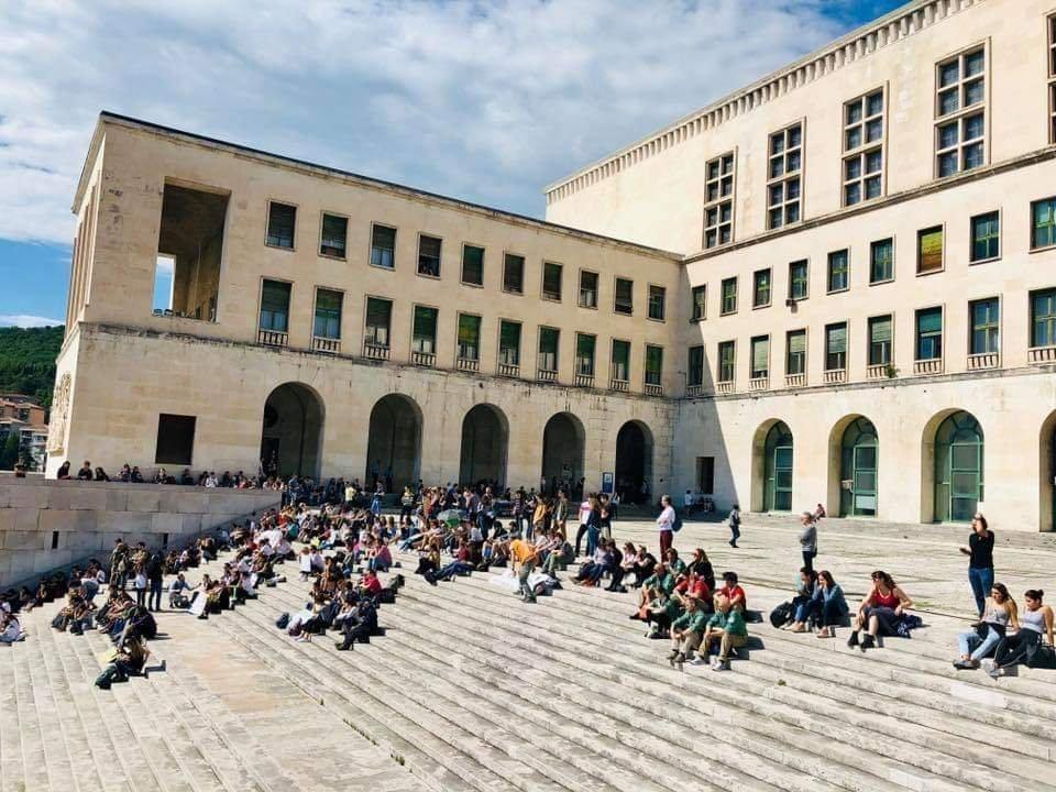 Agenti uccisi, Università di Trieste: «Profondo dolore dell'intera comunità accademica»