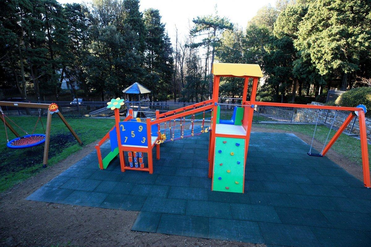 Al Parco di Villa Cosulich nuovi giochi, l'assessore Lodi «impegno del Comune per valorizzare spazi gioco e aree verdi»