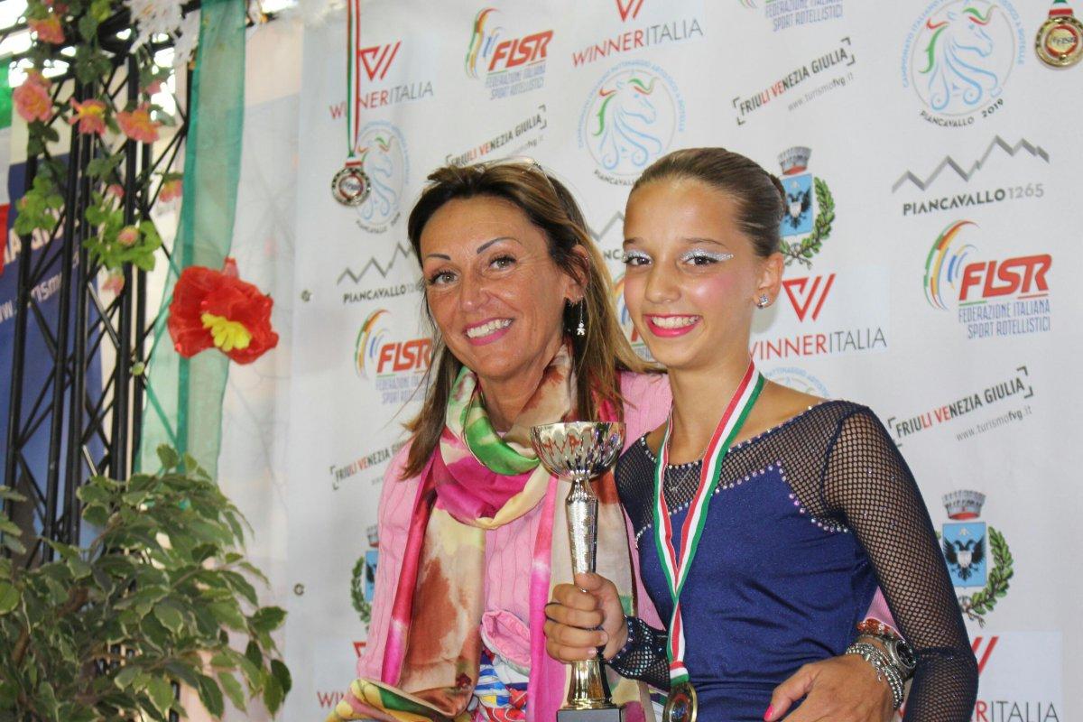 Pattinaggio, solo dance: splendido bronzo per la dodicenne Elisa Sorrentino