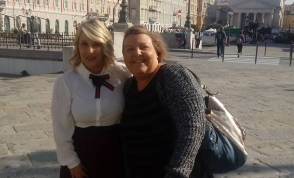 Che sorpresa! La comica Katia Follesa in giro per Trieste