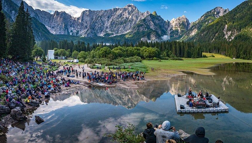 No Borders Music Festival, dodicimila ai Laghi di Fusine per la giornata dei record