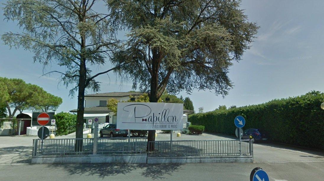 Aggredito da gang ma nessuno interviene, chiuso per 3 mesi locale in zona Pordenone