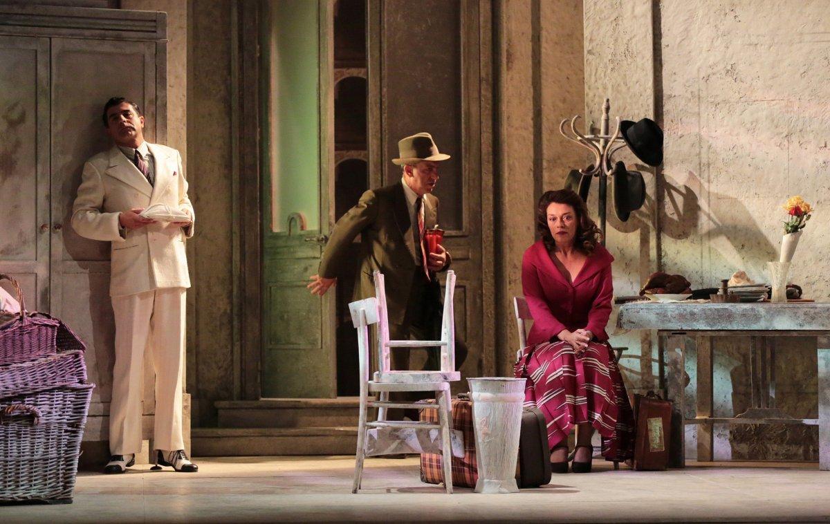 Teatro di Monfalcone, martedì e mercoledì la Compagnia di Teatro di Luca De Filippo in