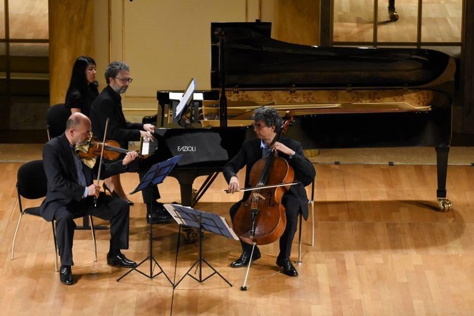 Chamber Music, lunedì al Savoia auguri di natale in musica con il Trio Metamorphosi