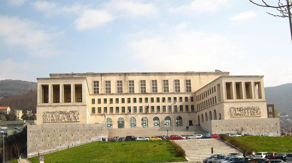 Università di Trieste, AlmaLaurea 2018: età media alla laurea è 25,9 anni, voto medio di laurea è 103,8