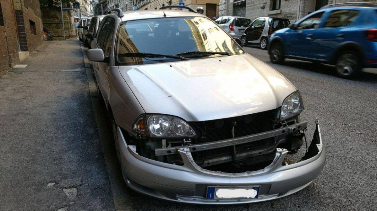 Via Commerciale, danneggia auto e scappa, l'appello del proprietario