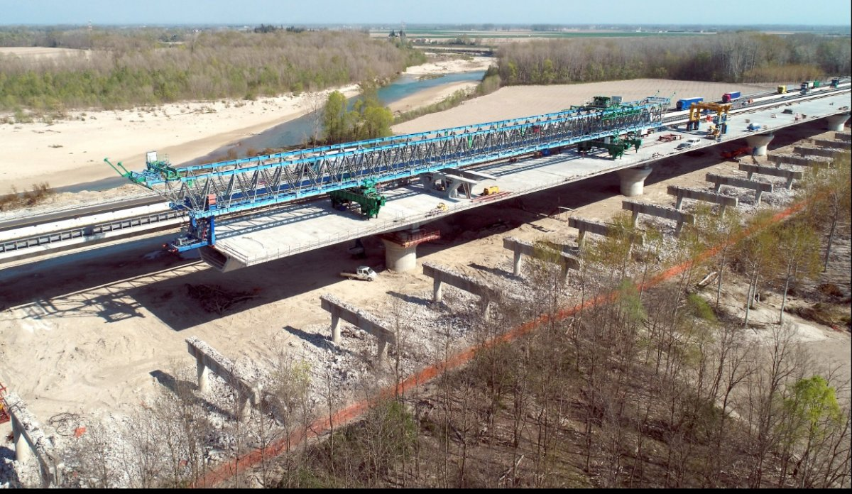 Terza corsia, concluso entro novembre il secondo viadotto del nuovo ponte sul Tagliamento