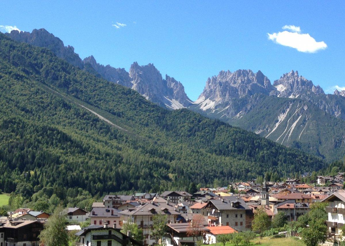 Intervento di soccorso a Forni di Sopra: due escursionisti in difficoltà