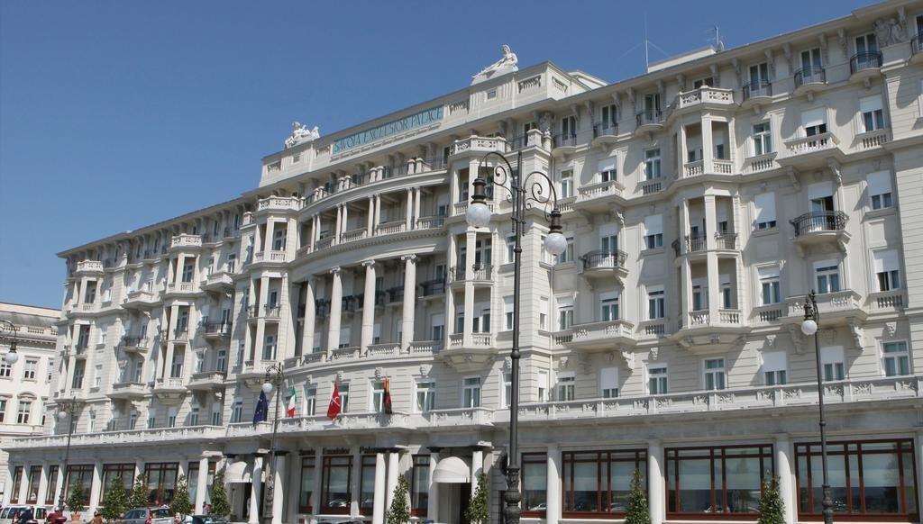 (OFFERTA DI LAVORO) Hotel Savoia Excelsior, il ristorante ...