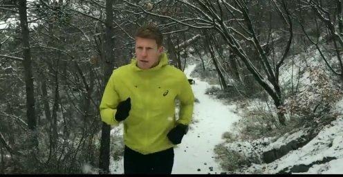Jogging sulla neve in Carso, il VIDEO di un giovane triestino: «Sembra di correre in montagna» (VIDEO)
