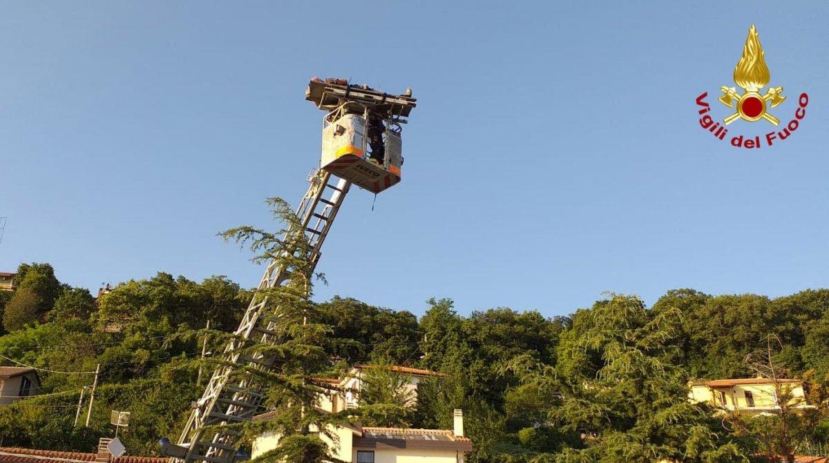 Come Montare Un Condizionatore strada del friuli, sul tetto per montare un condizionatore