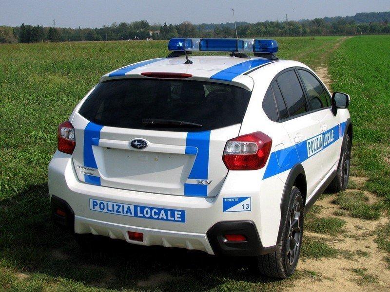 Provoca un incidente e fugge: la Polizia Locale indaga e rintraccia il responsabile